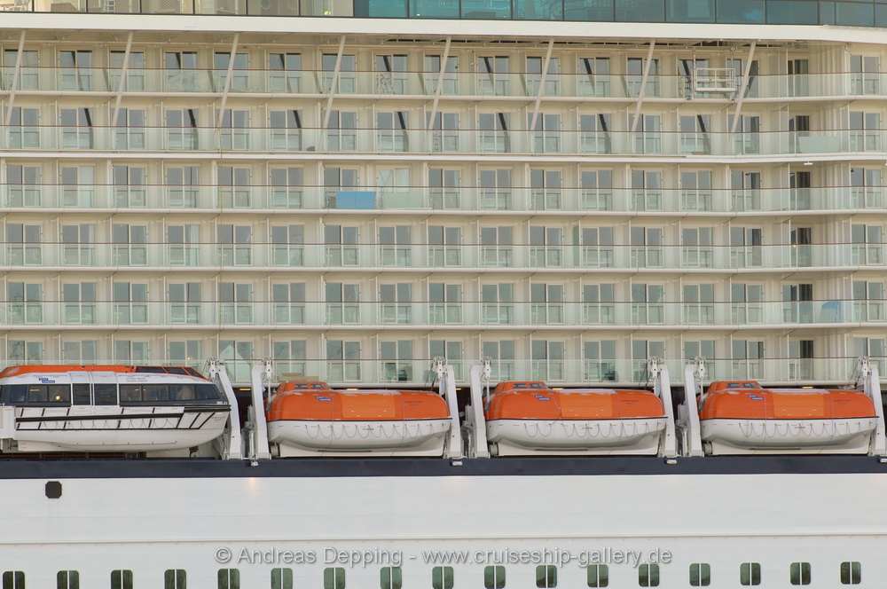 Lifeboats under balconies on deck 6 (S-class), annoying ...