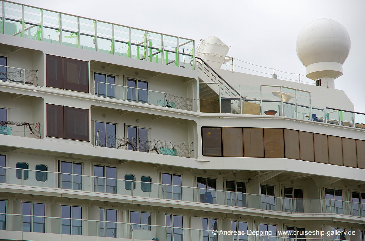 apartment balcony dividers Haven Spa Penthouse In Room Jacuzzi Norwegian Cruise Line